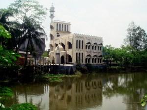 1. Mosque on road between Dhaka & Sonargaon 2009
